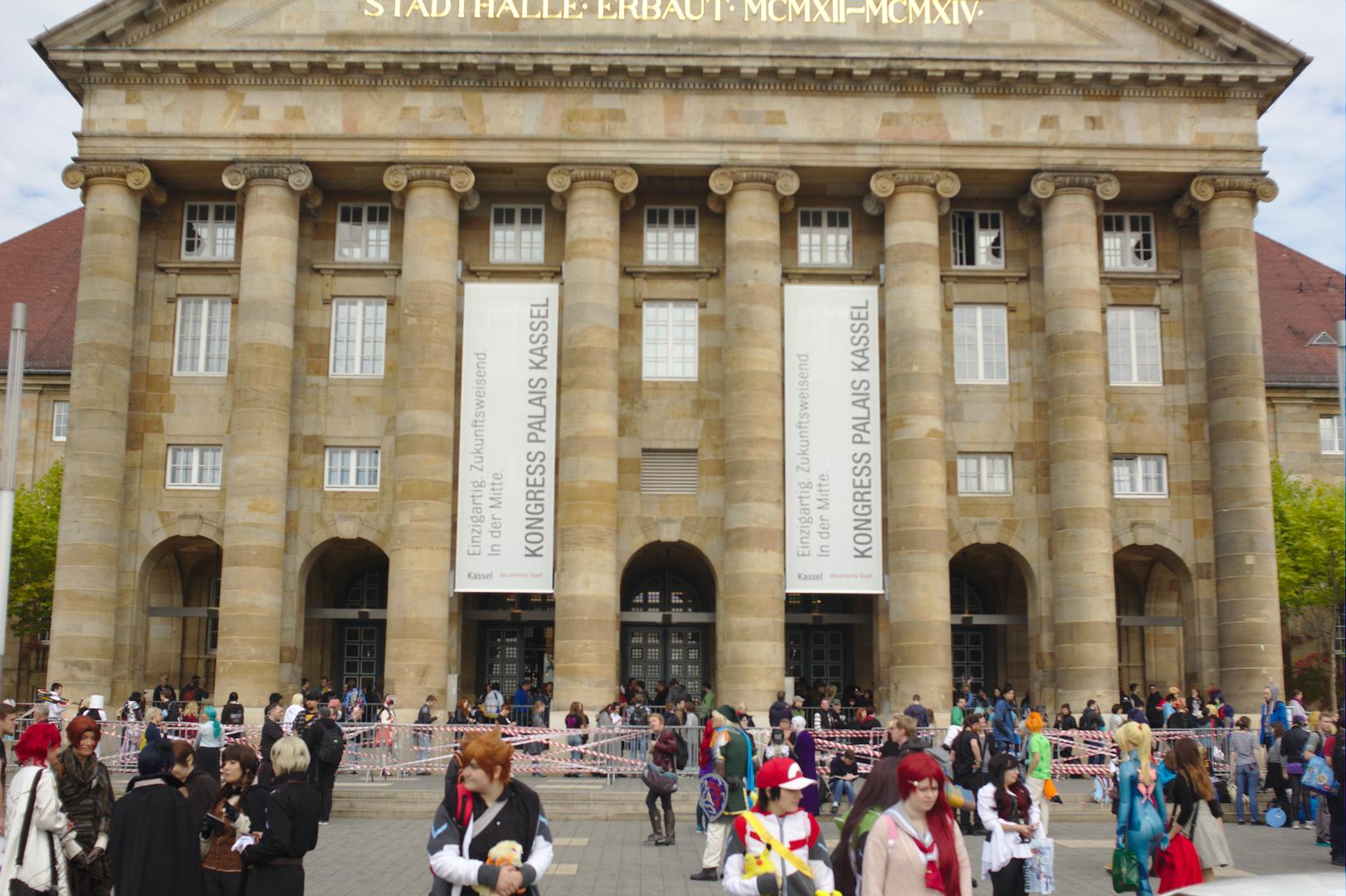 Stadt Halle Kassel, Eingang der Connichi.